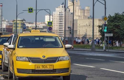 С непогашенной судимостью могут запретить работать в такси