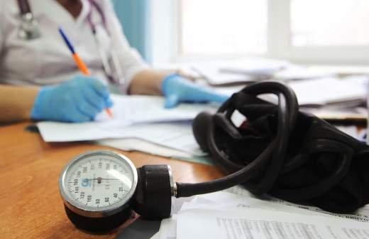 Лишь 41% россиян обращается к врачам при сильной боли