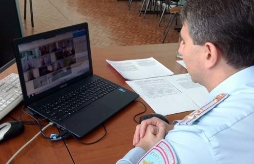 Обморок студентки СПбГУП после скандала с руководством признали постановочным