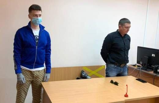 Суд в Петербурге оставил в силе арест блогера Хованского