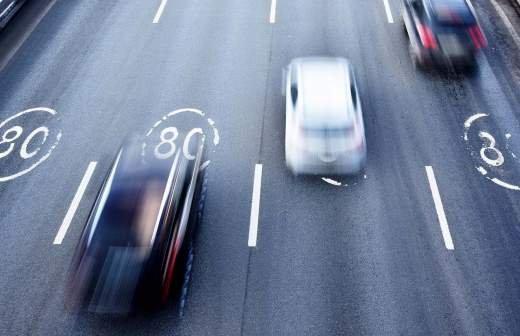 Автобусам без ремней безопасности могут ограничить скорость до 70 км/ч